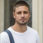 Daniel Rocha, da novela 'A Lei do Amor', surge com os cabelos platinados. Foto!