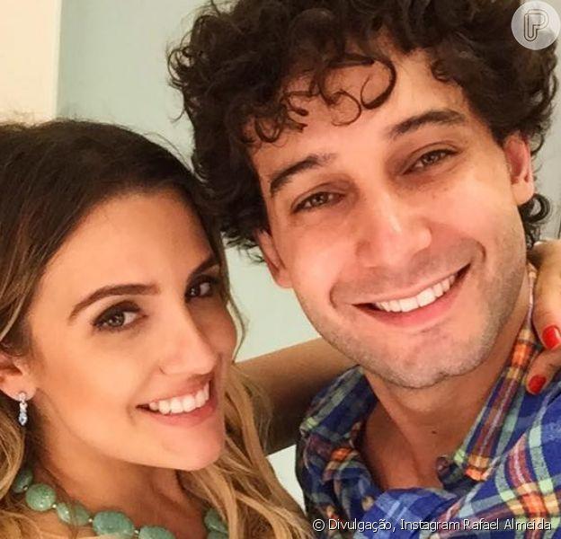 Rafael Almeida está noivo da advogada Maria Fernanda Ximenes e contou, ao Pureople: 'Quero fazer uma cerimônia bem tradicional mesmo'