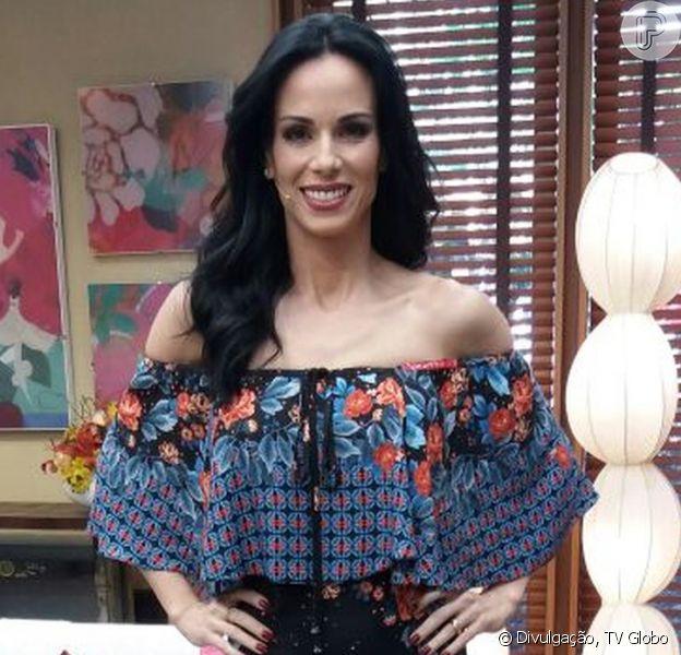 """Ana Furtado estreou o visual moreno no programa """"É de Casa"""" deste sábado, 01 de abril de 2017. Mudança foi feita na última segunda-feira (28)"""