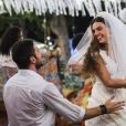 Grávida, Ritinha (Isis Valverde) se casa com Zeca (Marco Pigossi), na novela 'A Força do Querer', em 15 de abril de 2017