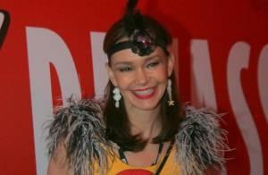 Carnaval: Julia Lemmertz, de 'Em Família', chega a camarote sem Alexandre Borges