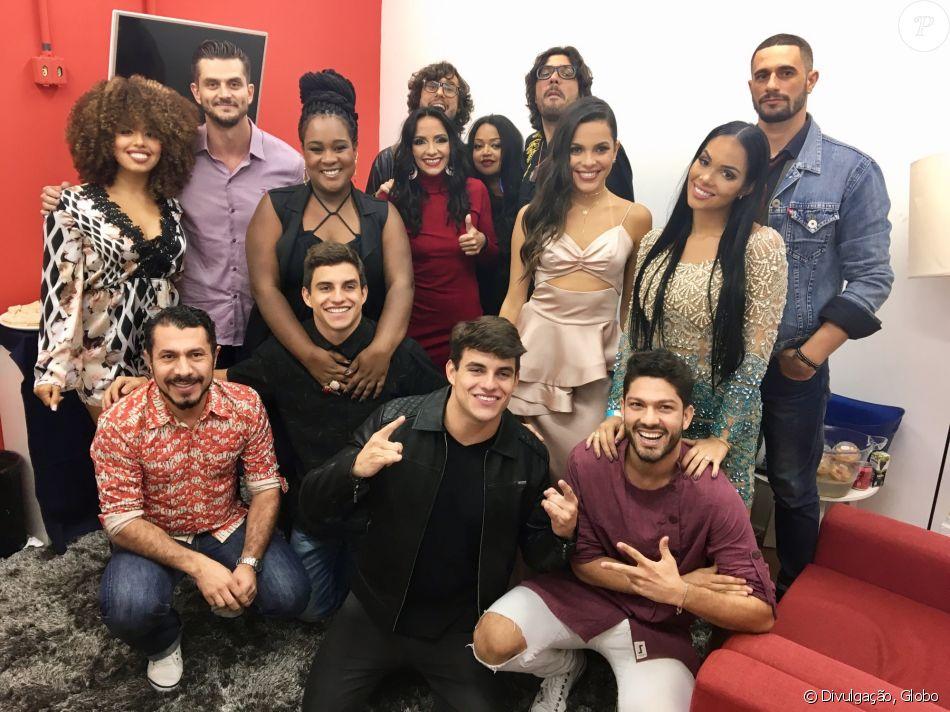 Marcos foi à final do 'BBB17' e posou com os demais ex-brothers nesta quinta-feira, dia 13 de abril de 2017
