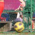 Amanda de Godoi vibra com gol de Francisco Vitti