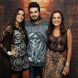 Emilly araújo e Mayla tietam Luan Santana após show do cantor no Rio