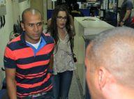 Ex-BBB Emilly evita imprensa após depor sobre indício de agressão de Marcos