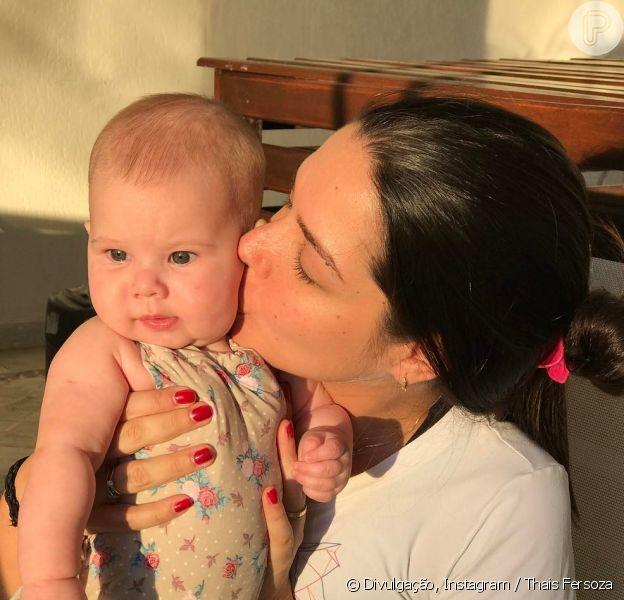 Thais Fersoza relembrou foto fofa com a filha, Melinda, nesta quinta-feira, 20 de abril de 2017