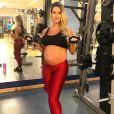 Andressa Suita, grávida, é ativa nas redes sociais