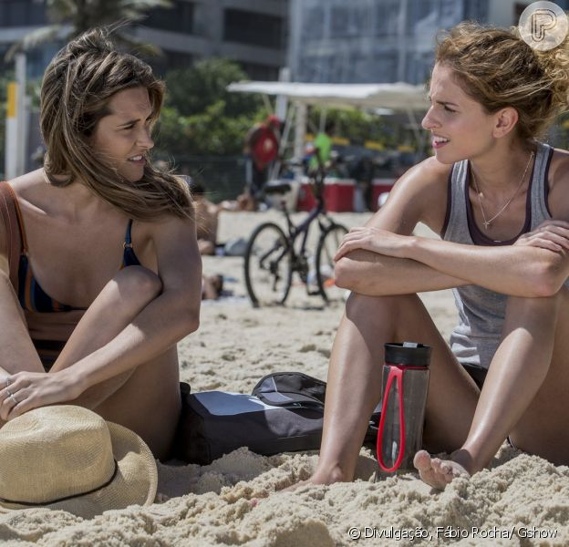 Simone (Juliana Paiva) pergunta a Ivana (Carol Duarte) se ela é homossexual, na novela 'A Força do Querer', em 21 de abril de 2017