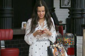 Ex-BBB Emilly almoça e faz compras com irmã, Mayla, em shopping carioca. Fotos!