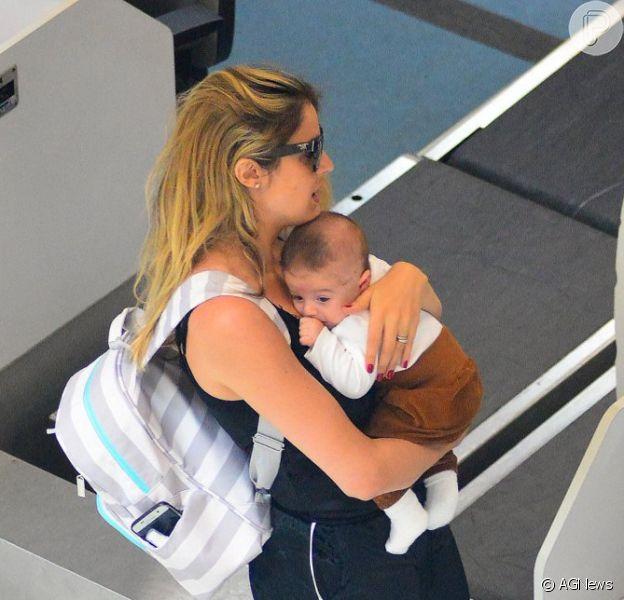 Rafa Brites embarcou para a primeira viagem com o filho, Rocco