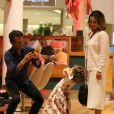Minna, de 3 anos, fez pose para o pai ao curtir apresentação de pianista