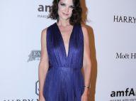 Katie Holmes usa look de estilista brasileira de quase R$ 9 mil em baile. Fotos!