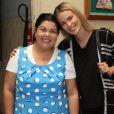 Fabiana Karla posa para as fotos ao lado da modelo Yasmin Brunet