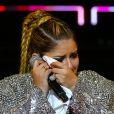 Marília Mendonça não conteve as lágrimas ao cantar no Anhembi, em São Paulo, horas após negar ter barrado Ivete Sangalo do show da turnê em Salvador, no próximo dia 13