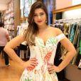 Ex-BBB Vivian apostou em vestidos curtos e justinhos no evento da marca  Miss&Misses