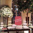 Casamento de Latino e Rayanna Morais contou com muitas flores na decoração