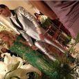 Latino optou por um terno prateado para se casar com Rayanne Morais