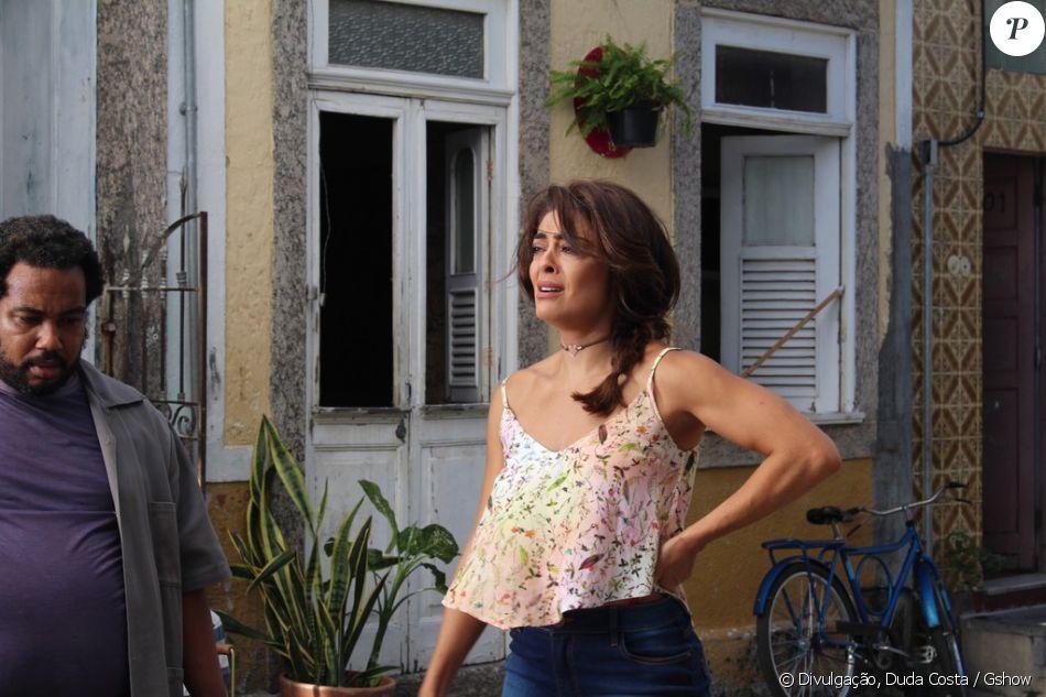 Bibi (Juliana Paes) se desespera e desacata policiais durante prisão de Rubinho (Emílio Dantas), nos capítulos previstos para irem ao ar nos dias 05 e 06 de junho de 2017, na novela 'A Força do Querer'