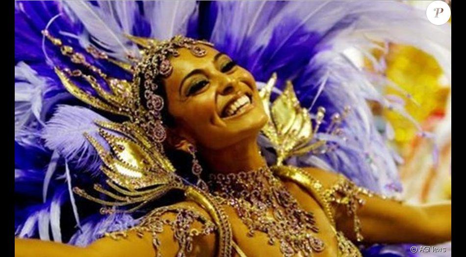 Juliana Paes será rainha de bateria da Grande Rio no carnaval 2018, diz a coluna 'Retratos da Vida', do jornal 'Extra', nesta segunda-feira, 15 de maio de 2017