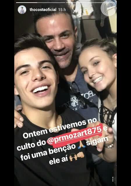 Larissa Manoela e Thomaz Costa vão juntos a culto em São Paulo   Uma  benção  - Purepeople 6efb6585da