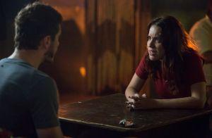 Novela 'Rock Story': Júlia visita Alex na cadeia e é ameaçada. 'Mando te matar'