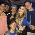 Thomaz Costa despistou ao ser questionado pela youtuber Maria Cavalcante sobre o namoro com Larissa Manoela: 'Aí tem que ver com ela...É segredo. Deixa no ar!'