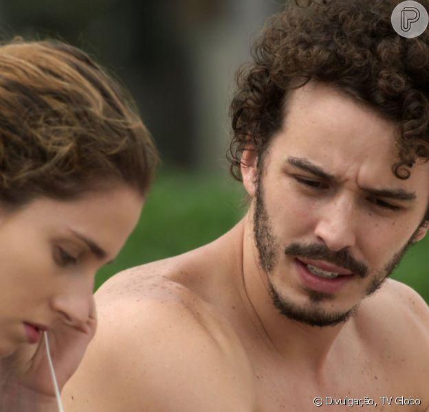 Ivana (Carol Duarte) aceita viajar com Cláudio (Gabriel Stauffer) na novela 'A Força do Querer'
