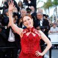 Julianne Moore de Givenchy na cerimônia de abertura da 70ª edição do Festival de Cannes, no sul da França, nesta quarta-feira, 17 de maio de 2017