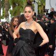 A atriz tailandesa Araya A. Hargate foi de vestido Olivier Theyskenspara osegundo dia do Festival de Cannes, no Sul da França, nesta quinta-feira, 18 de maio de 2017