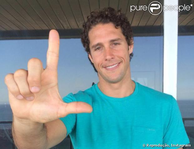 Luciano Huck postou foto fazendo um 'L' com a mão para apoiar a campanha #euapoioalais. A campanha foi criada nas redes sociais para arrecadar fundos para o tratamento da atleta, que se acidentou ao no dia 27 de janeiro em Park City, em Utah, nos Estados Unidos