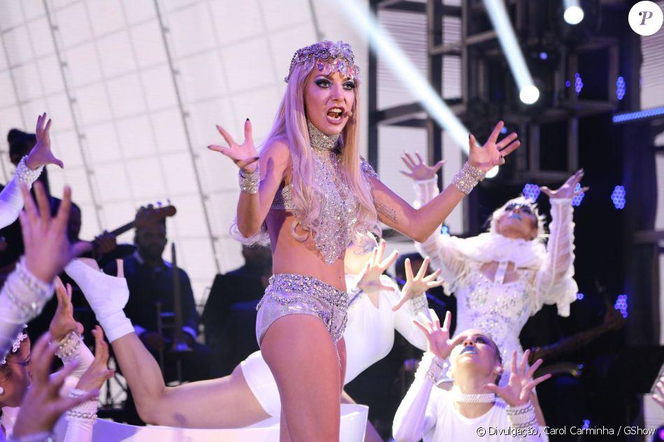 Luiza Possi imitou Lady Gaga no quadro 'Show dos Famosos' neste domingo, 21 de maio de 2017, no 'Domingão do Faustão'
