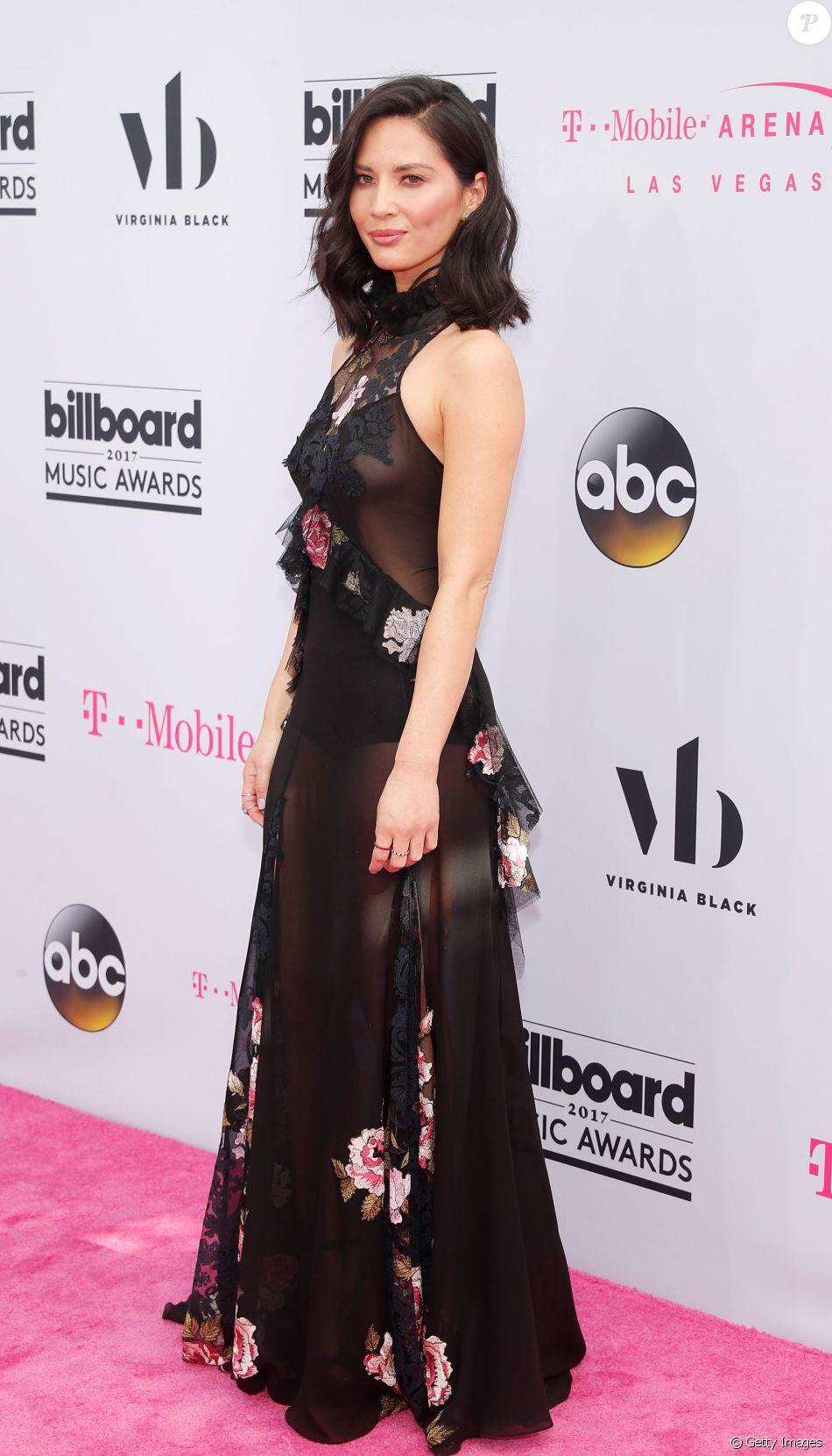 Olivia Munn usou Redemptionna 25ª edição do Billboard Music Awards, realizada no T-Mobile Arena, em Las Vegas, Estados Unidos, neste domingo, 21 de maio de 2017