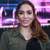 Anitta faz desabafo sobre críticas por cirurgias plásticas: 'Me sinto muito mal'
