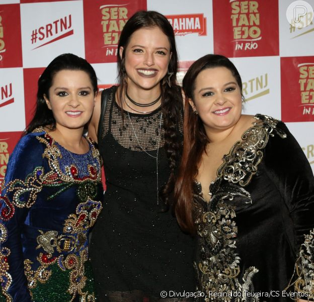 Agatha Moreira tieta Maiara e Maraisa, mas passa por imprevisto fashion, em show da dupla neste sábado, dia 27 de maio de 2017
