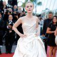 Elle Fanning de Vivienne Westwood na 70ª edição do Festival de Cannes, realizado no Sul da França