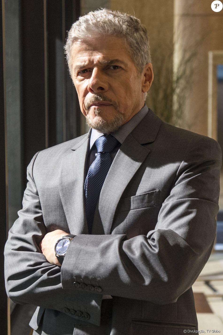 José Mayer vai acionar Justiça após ser acusado de assédio sexual por Su Tonani, dizem pessoas próximas ao ator, segundo o colunista Flavio Ricco, do jornal 'Diário de S.Paulo', nesta segunda-feira, 29 de maio de 2017