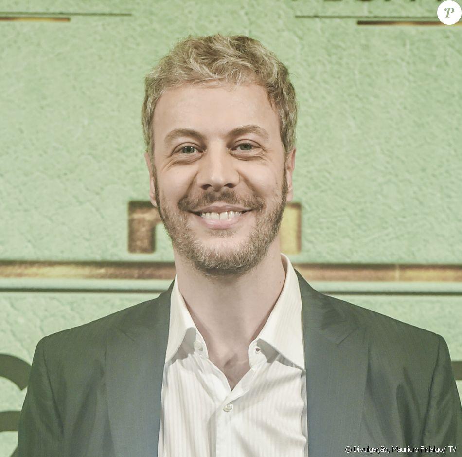 Guilherme Weber é Douglas na novela 'Pega Pega'