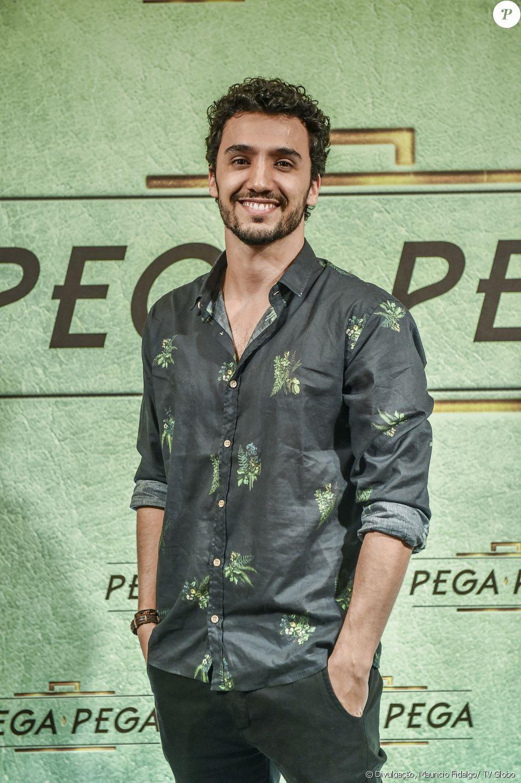 Pedro Cassiano é Xavier, na novela 'Pega Pega'