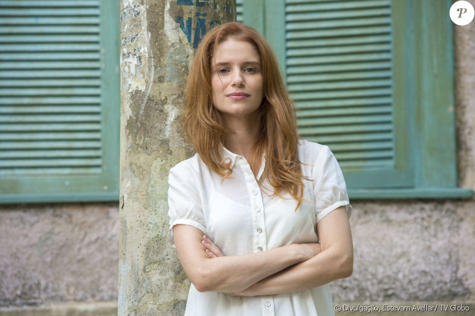 Julia Lund é Monica na novela 'Pega Pega'