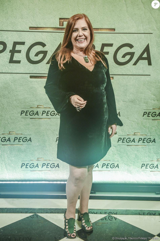Regiana Antonini é Neide na novela 'Pega Pega'