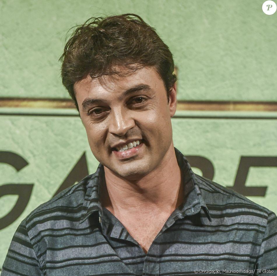 Fábio Felipe é Expedito na novela 'Pega Pega'