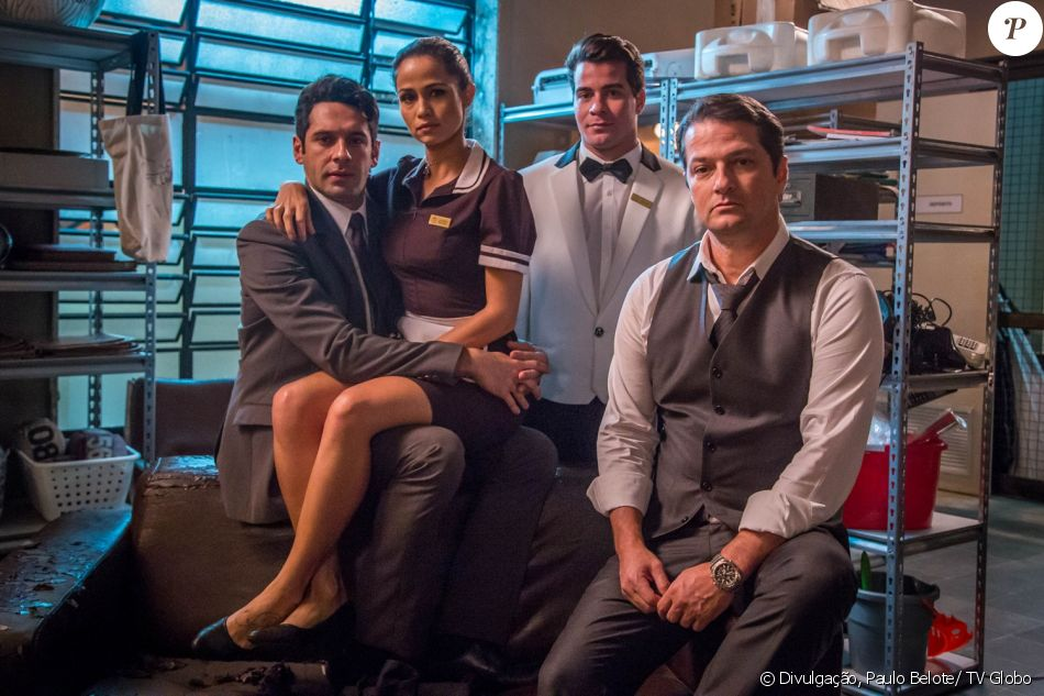 Agnaldo (João Baldasserini) Sandra Helena (Nanda Costa) Julio (Thiago Martins) e Malagueta (Marcelo Serrado) são os autores do roubo milionário da novela 'Pega Pega', que estreia nesta terça-feira, 6 de junho de 2017