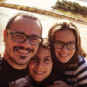 Danton Mello prefere que filhas continuem morando fora do Brasil: 'Lugar melhor'