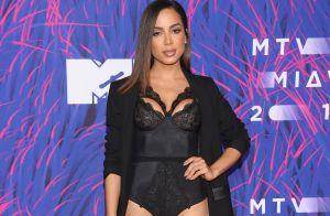 2bddb8406da Anitta usa body de renda e posa com Iggy Azalea em premiação no México.  Fotos!