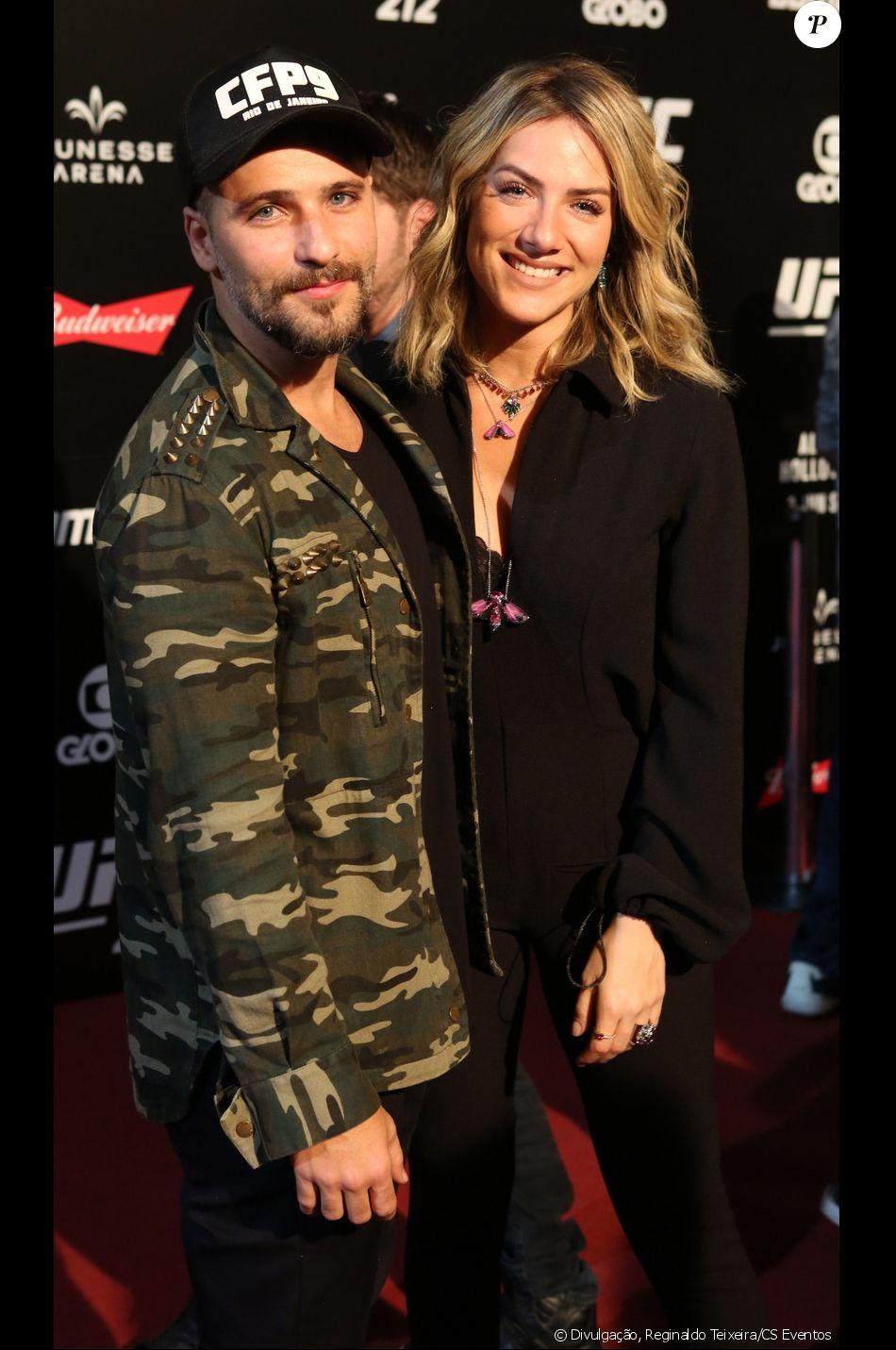 Bruno Gagliasso e Giovanna Ewbank vão embora do UFC 212 após encontrar Jair Bolsonaro em área VIP, em 3 de junho de 2017