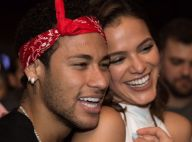 Neymar fala de Bruna Marquezine em jogo da NBA: 'Minha namorada está chegando'