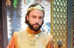 'O Rico e Lázaro': Asher escapa de ser assassinado por Nebuzaradã durante luta