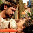 Anteriormente salva da morte por Daniel (Gabriel Gracindo), Lia (Tammy Di Calafiori) se emociona quando o governador da Babilônia recita um poema sem precisar ler, na novela 'O Rico e Lázaro'