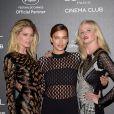 Irina Shayk também usou um vestido com transparências durante o festival de cinema na França