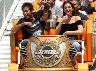 Neymar se diverte com Bruna Marquezine em parque de diversões nos EUA: 'Medo?'